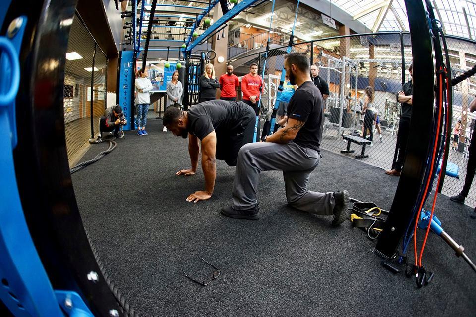 Knee tuck Elevate Trainer