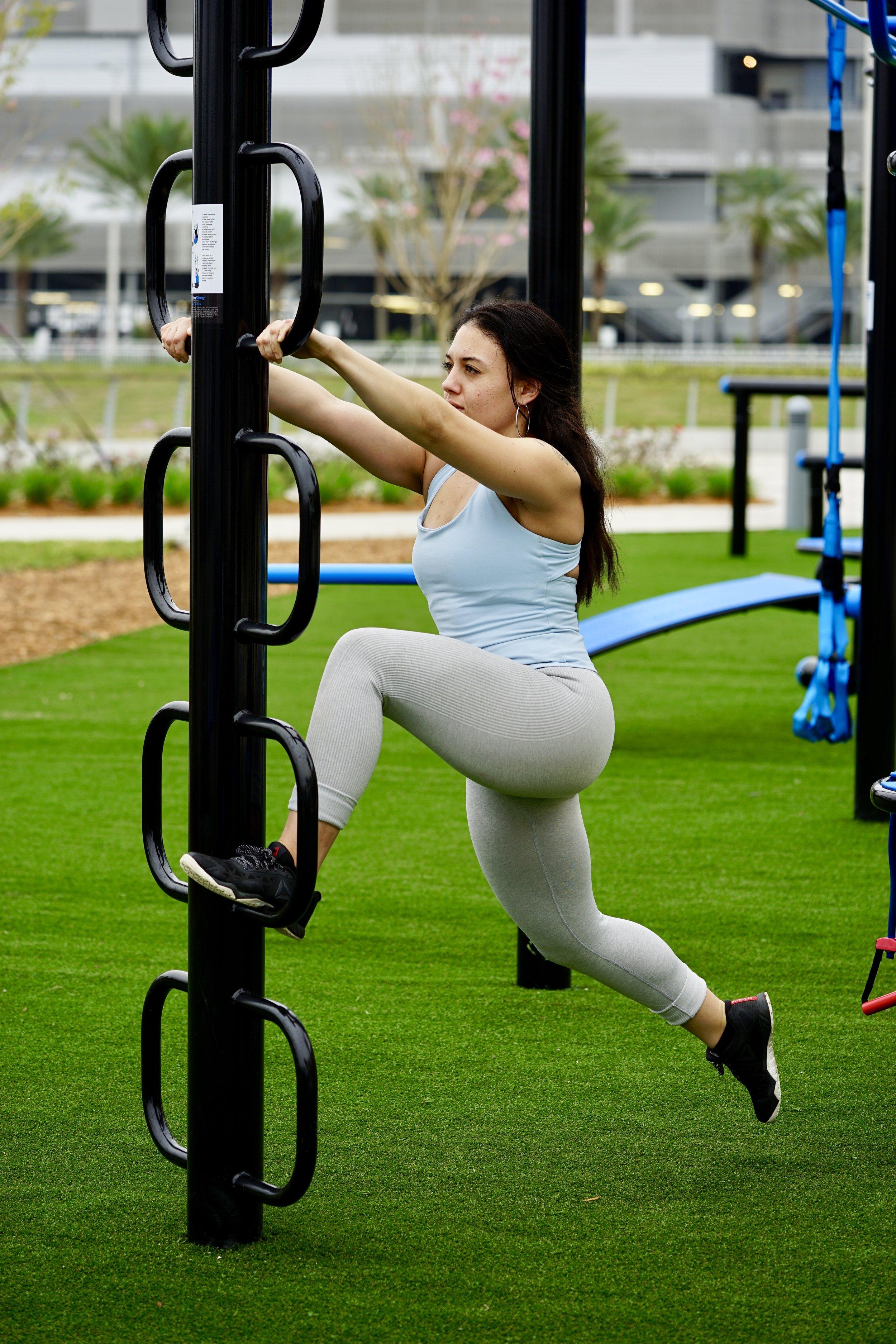 Loop post bodyweight lunge