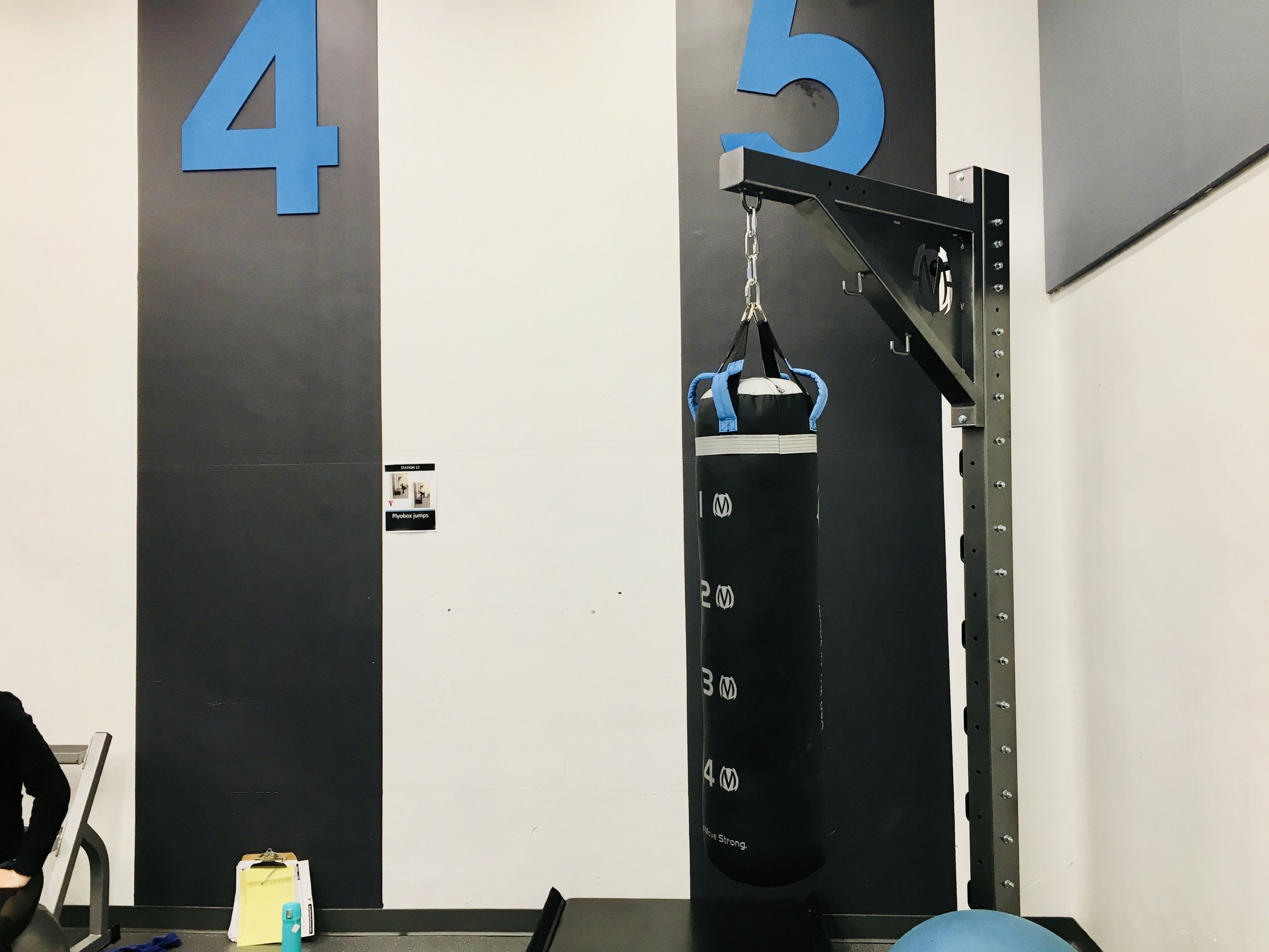 Heavy Bag column stand