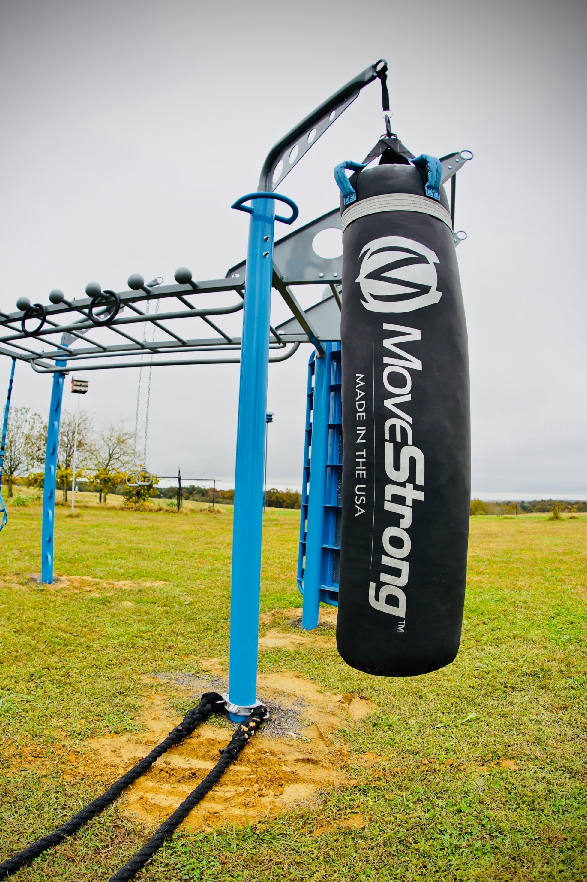 Outdoor boxing heavy bag stand