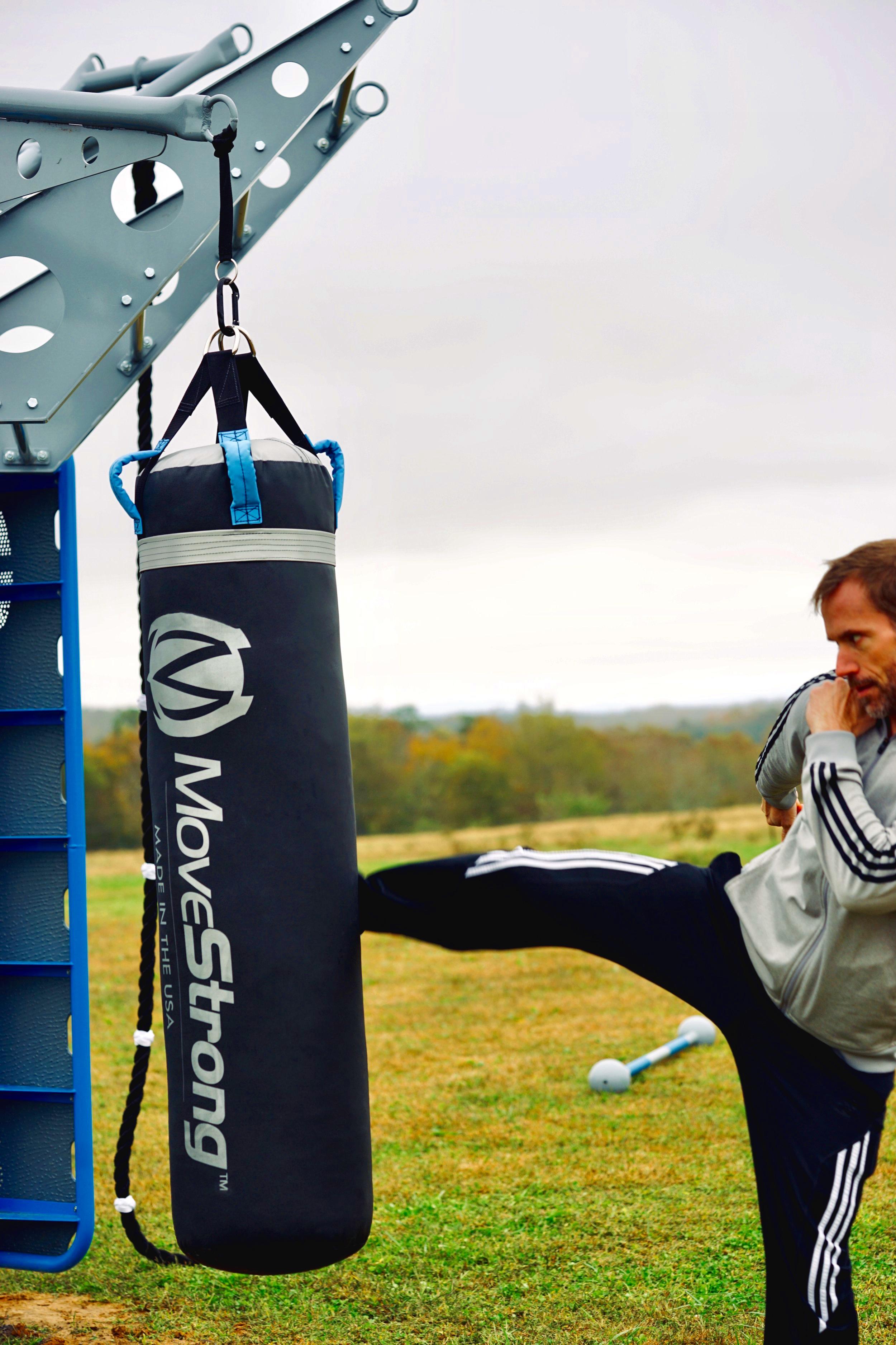 Outdoor fitness kickboxing fitness heavy bag