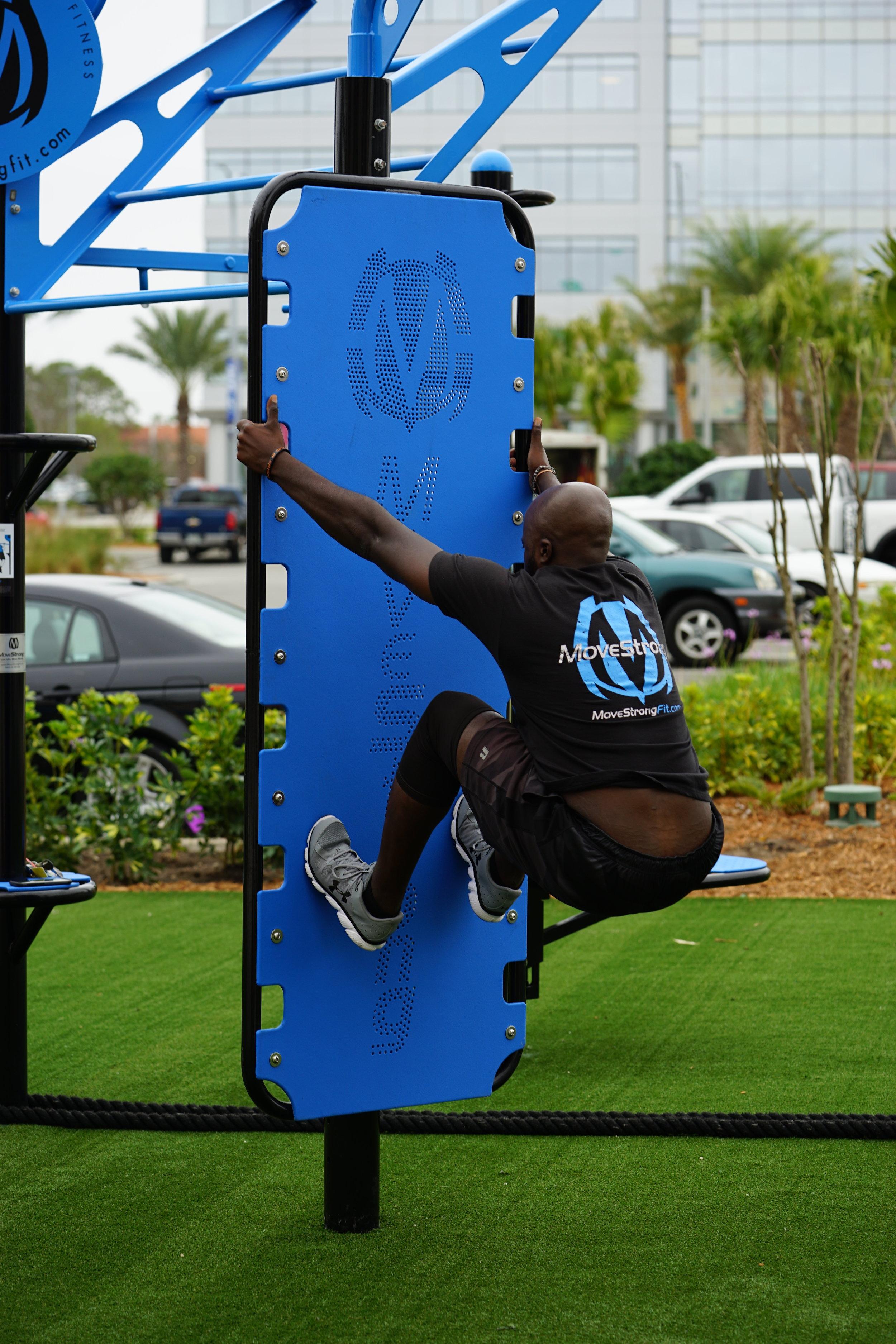 Plyometric outdoor fitness equipment
