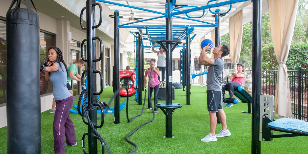 MoveStrong Outdoor Workouts At New Hotel Gym