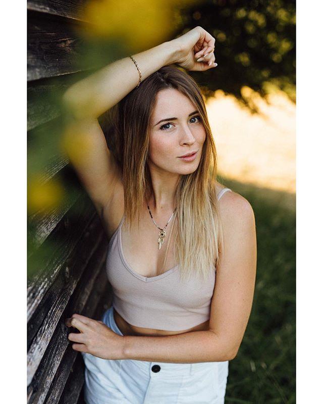 | moni | . . . #photoshoot #photography #photographer #fotoshooting #outdoor #portrait #portraitphotography #model #availablelightphotography #beauty  #portraitsmadeingermany