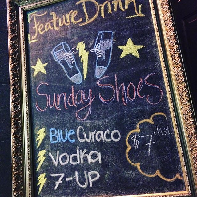 Join us tonight for our summer kick-off of Footloose! Let us quench your thirst with our feature drink: Sunday Shoes 👟