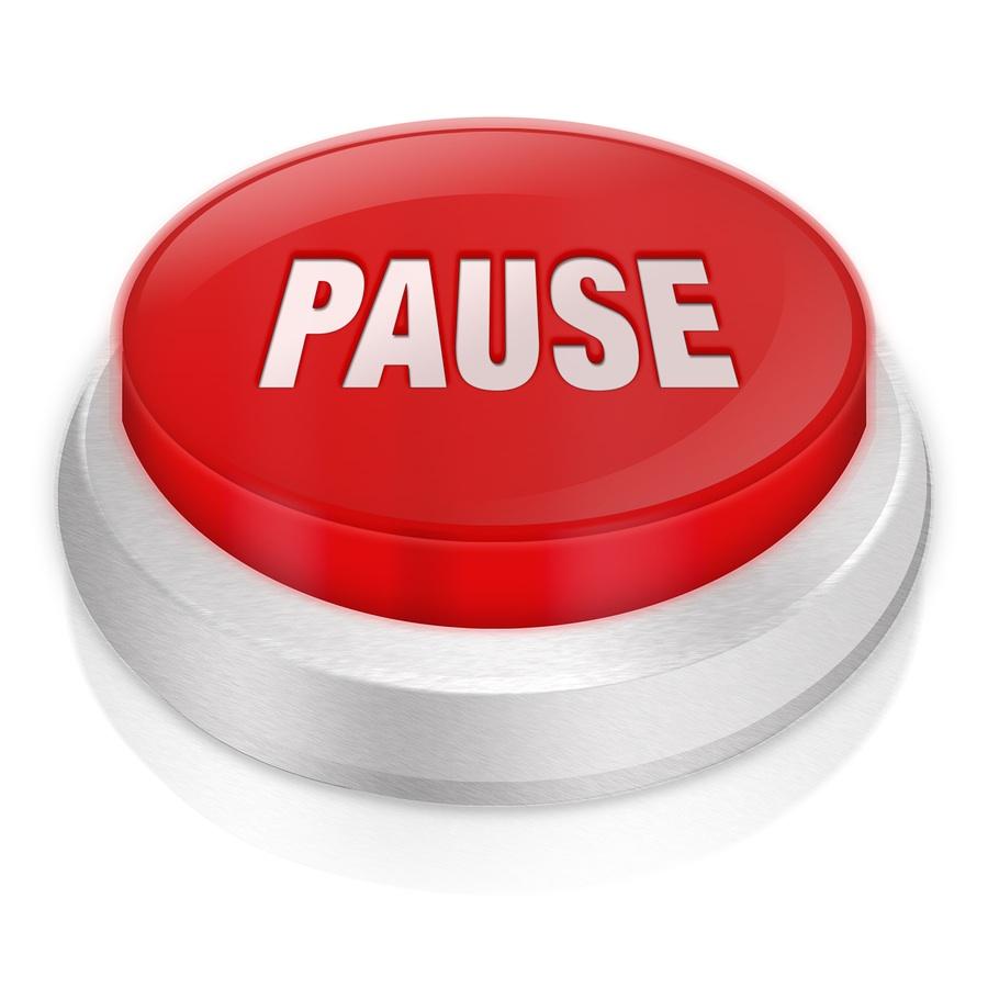 635994029770160931-1592070725_bigstock-pause-d-button-8446993.jpg