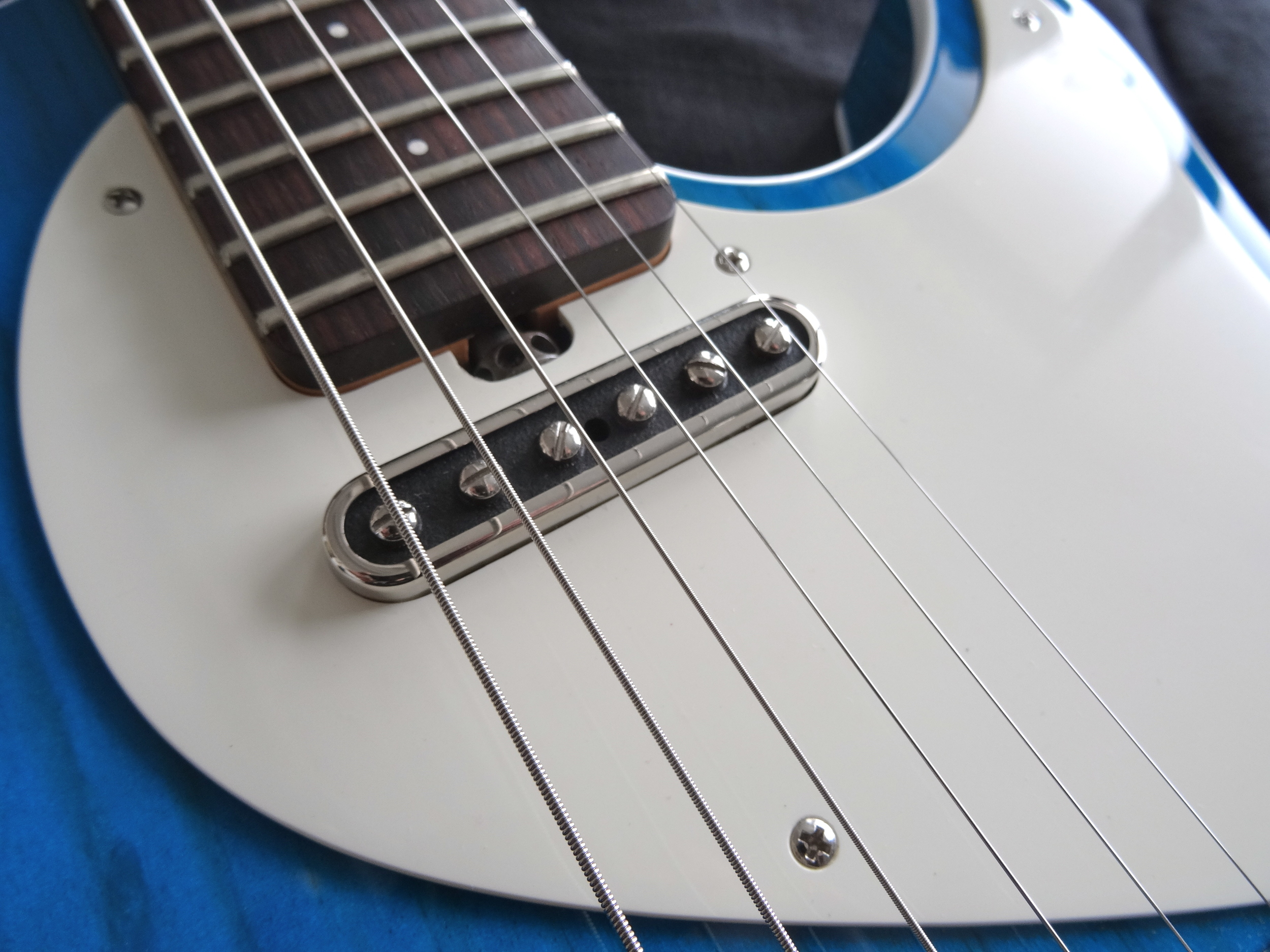 The super-clean single-ply pickguard shows off the Porter T-90 with grace