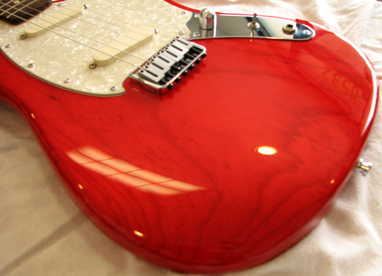 It features active EMG pickups for super-clean tone