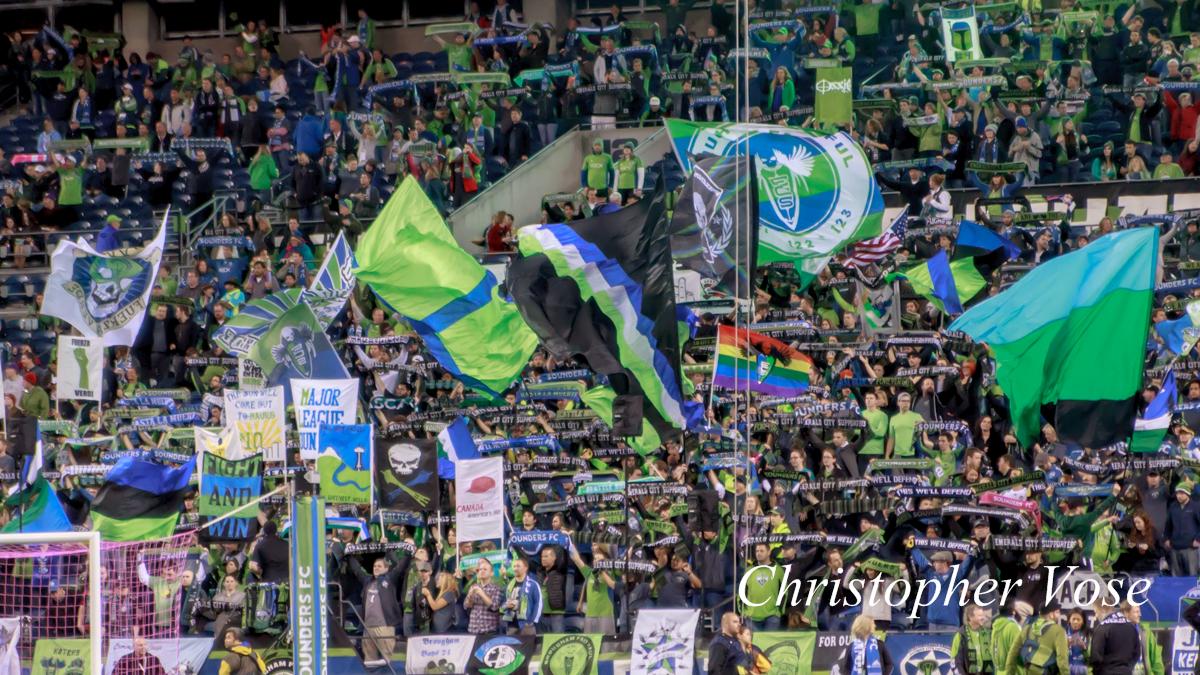 2013-10-09 Emerlad City Supporters 2.jpg