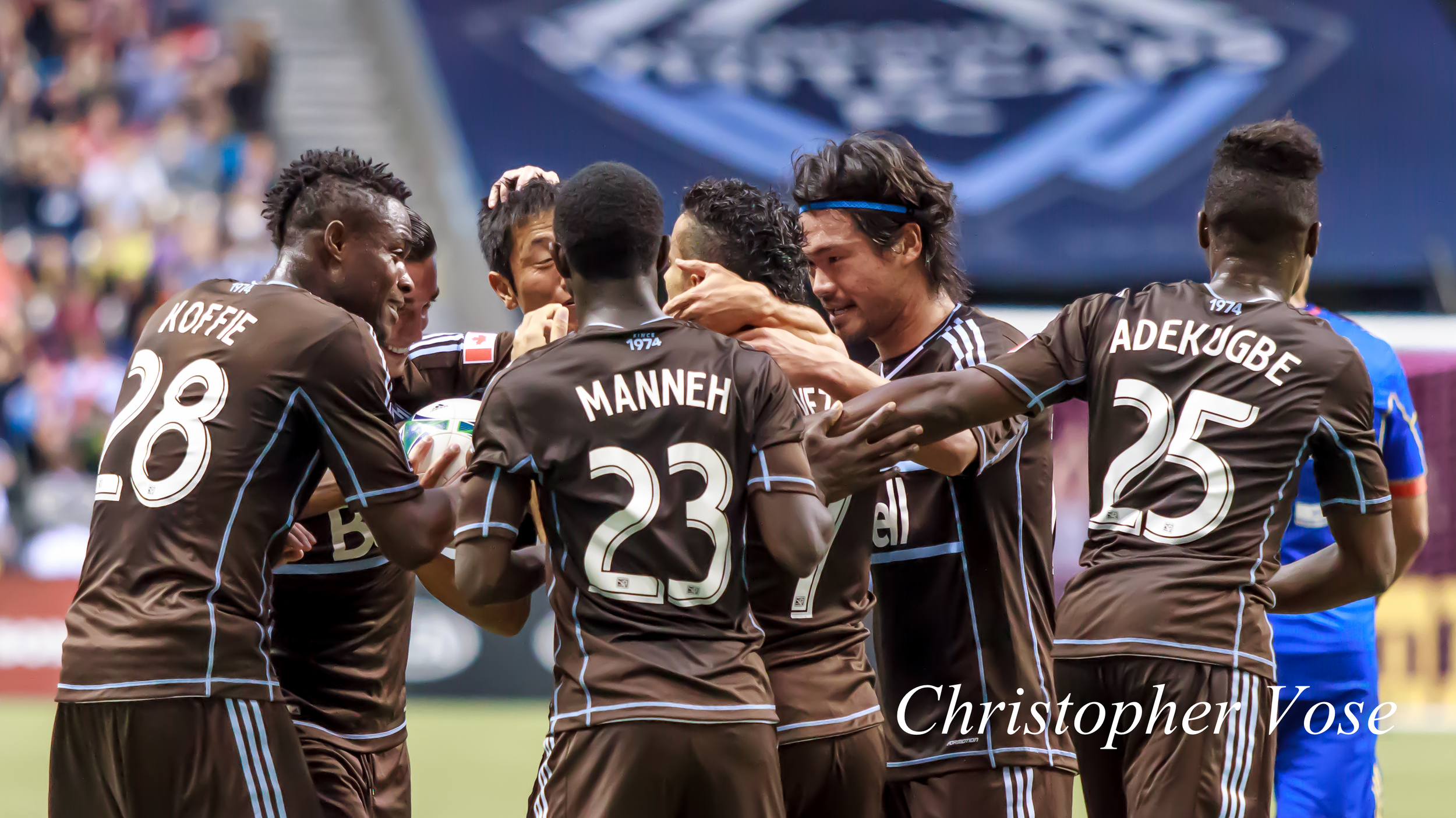 2013-10-27 Camilo Sanvezzo's First Goal Celebration 3.jpg