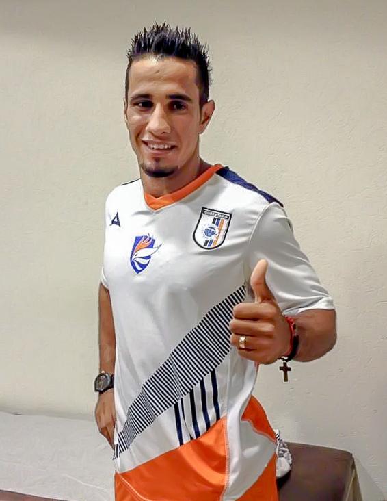 Camilo Sanvezzo's medical for Querétaro FC at Estadio Corregidora on 6 January 2014.