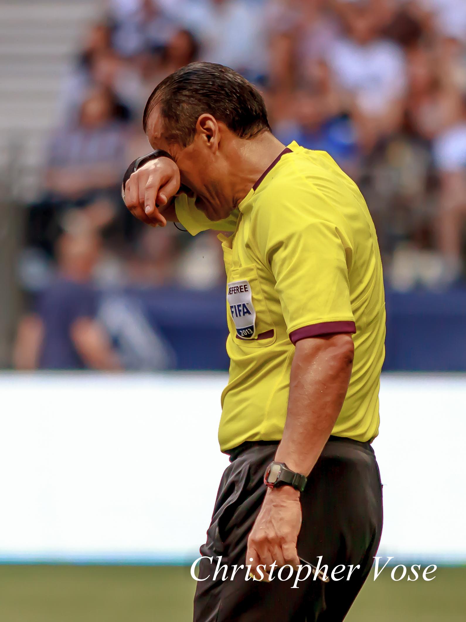 Baldomero Toledo after sending off Jun Marques Davidson on 18 July 2013.