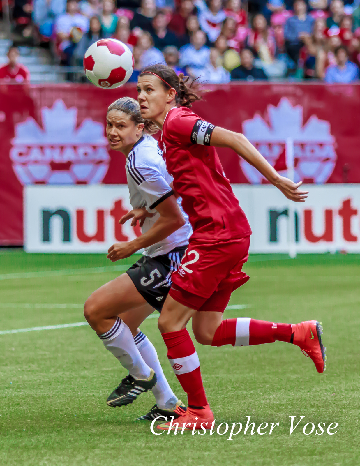 2014-06-18 Annike Krahn and Christine Sinclair.jpg