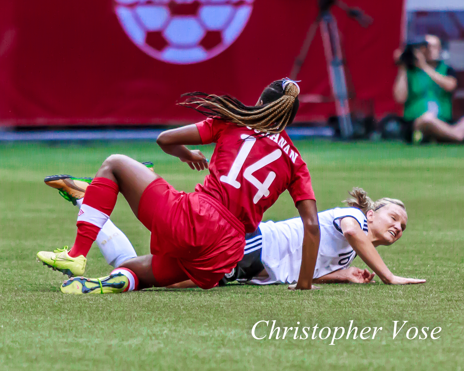 2014-06-18 Kadeisha Buchanan and Alexandra Popp.jpg