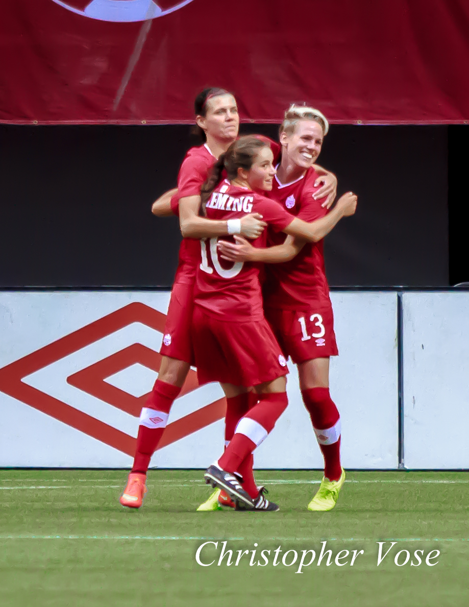2014-06-18 Sophie Schmidt Goal Celebration.jpg