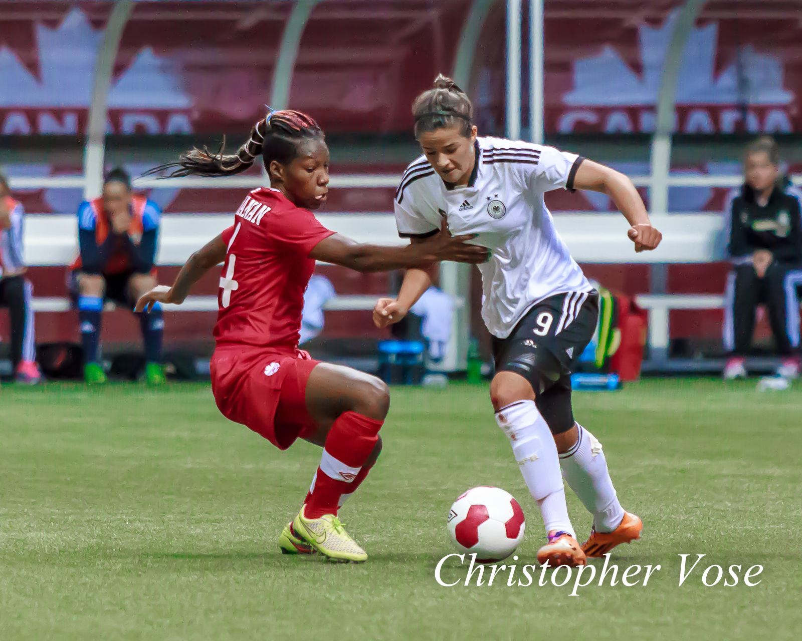2014-06-18 Kadeisha Buchanan and Lena Lotzen.jpg