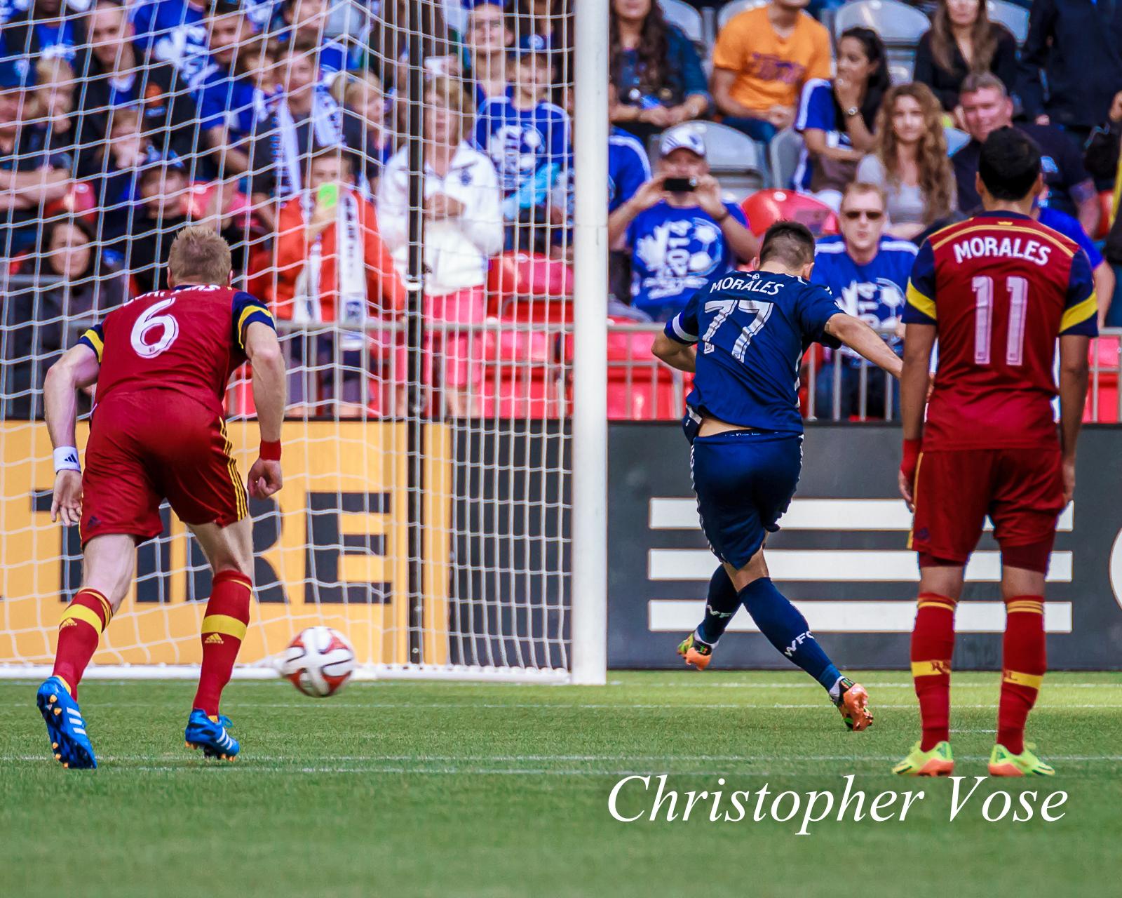 2014-09-27 Pedro Morales' First Goal (Penalty Kick).jpg