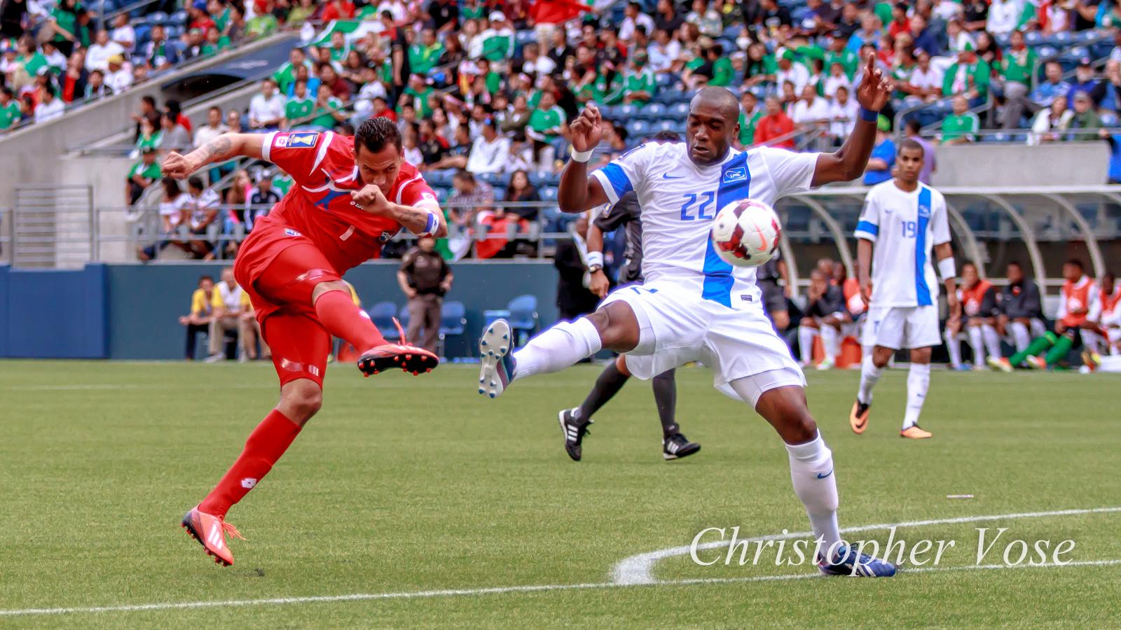 Panamá's Blas Pérez in action against Martinique, 2013.