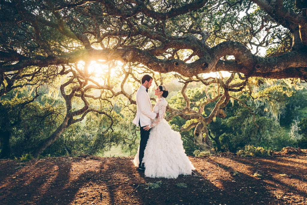 EMMA + JOHN - SAN SIMEON, CALIFORNIAVENUE: THE HEARST CASTLEPLANNER: LIZ & CAROLINE DEJEANFLORALS: ADORNMENTS FLOWERS & FINERY