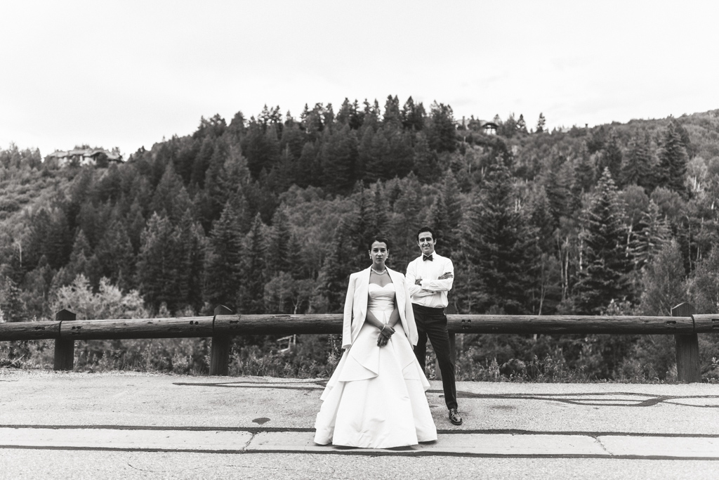 NONA + DAVID - BEAVER CREEK, COLORADOVENUE: RITZ CARLTON BACHELOR GULCHPLANNER: LISA GORJESTANIFLORALS: THE PERFECT PETAL