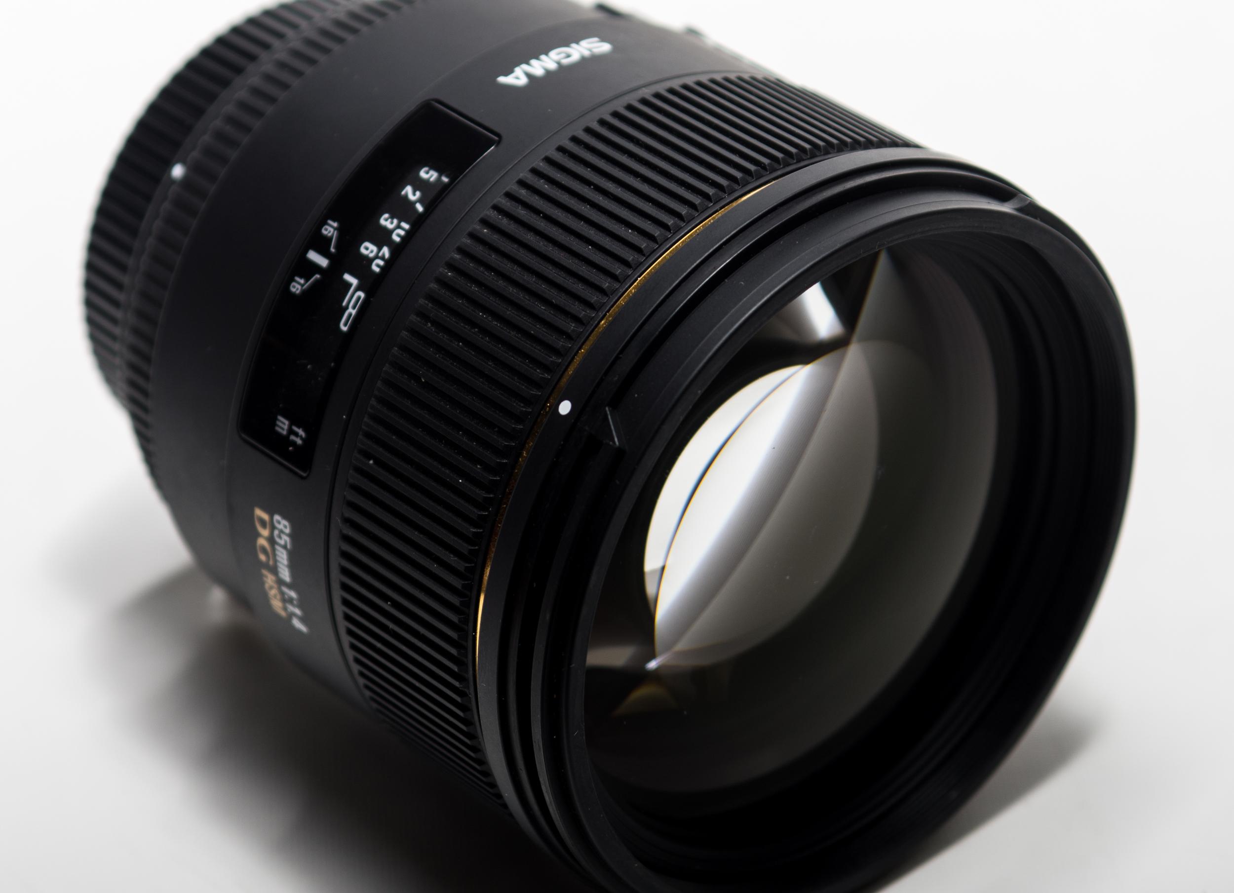 Sigma 85mm 1.4 EX DG HSM
