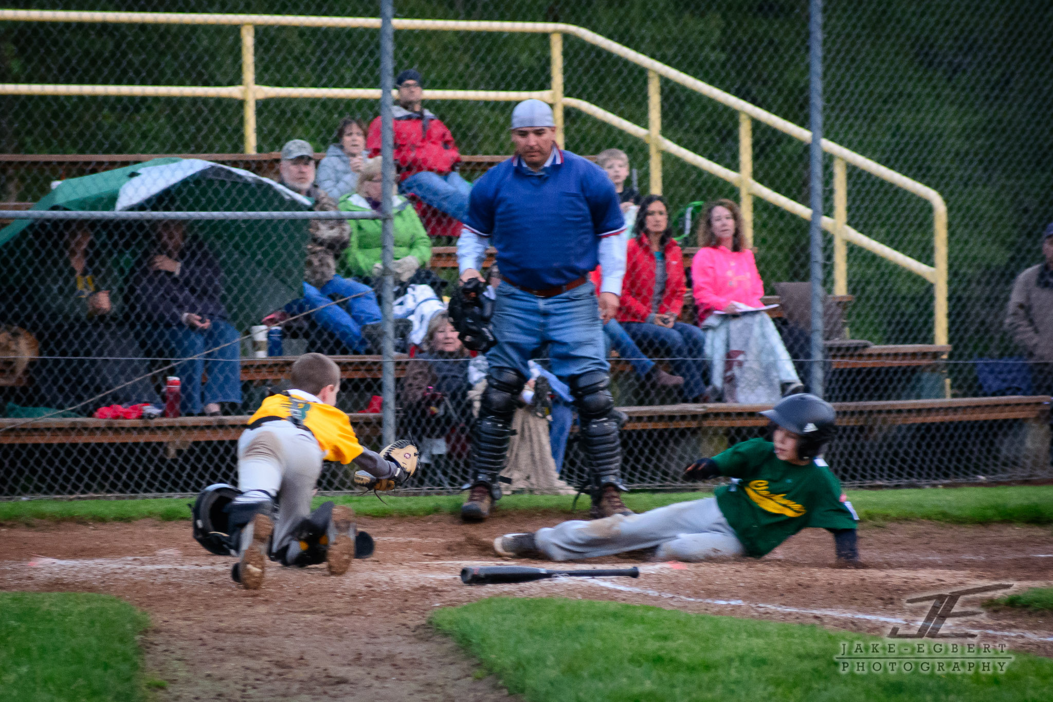 1st baseman launched it home to try and prevent O. from scoring.