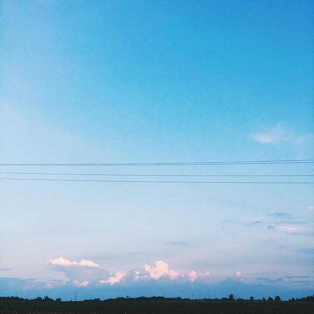 ☁️☁️☁️ #blue #pink #quiet