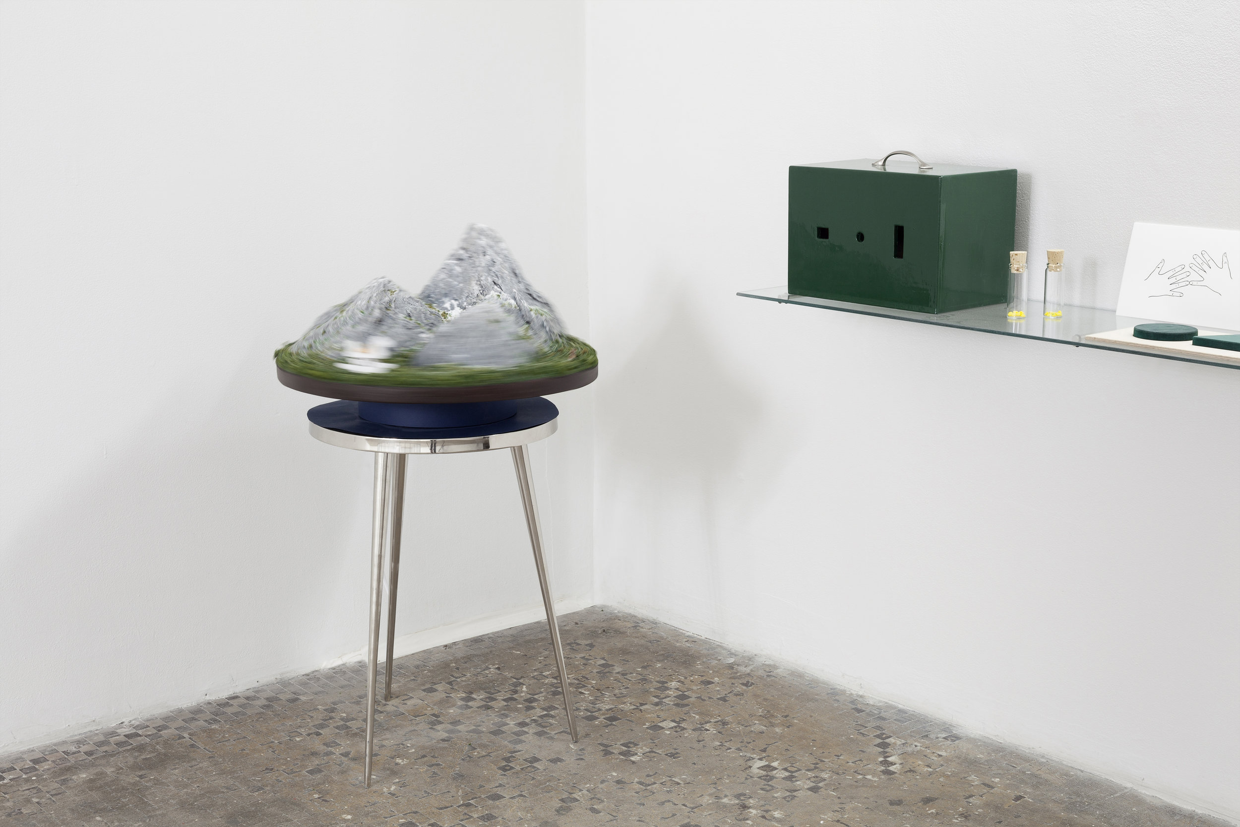 Three Mountain Problem (After Piaget and Inhelder),  2019, Photo: Gustavo Murillo Fernández-Valdés