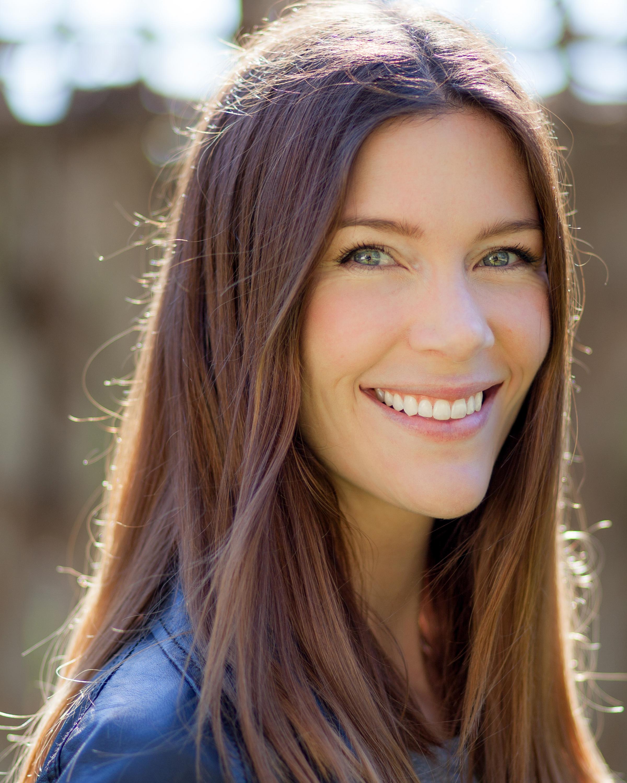 Alicia Rose HEADSHOT.jpg