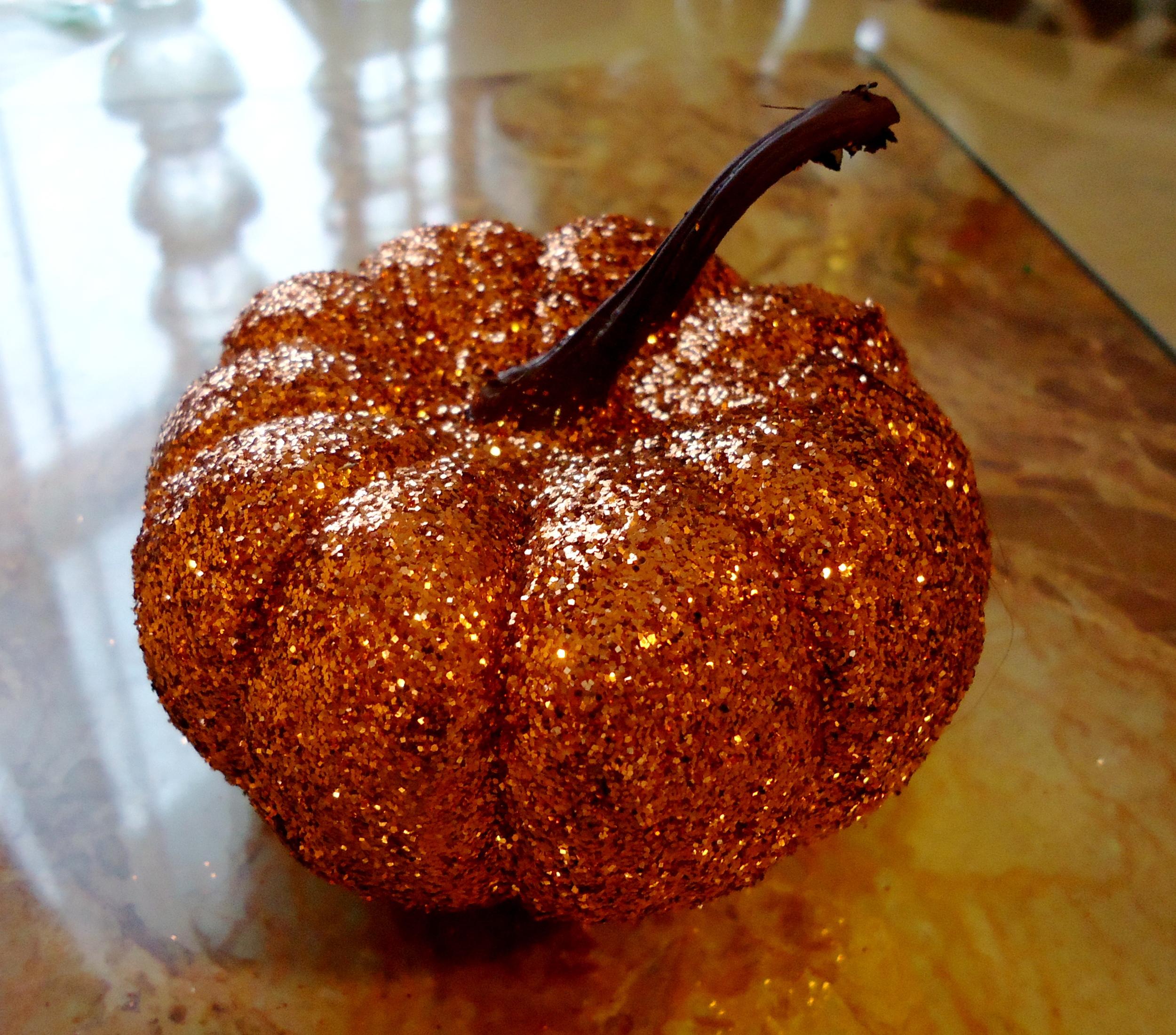 glitter halloween pumpkin.JPG