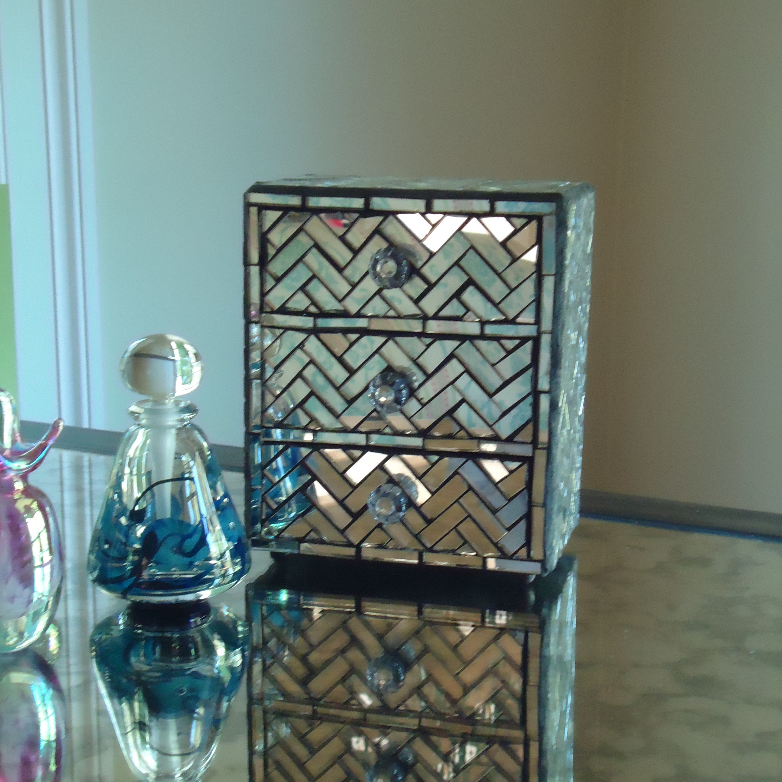 mirror live in mosaics jewelry storage box.JPG