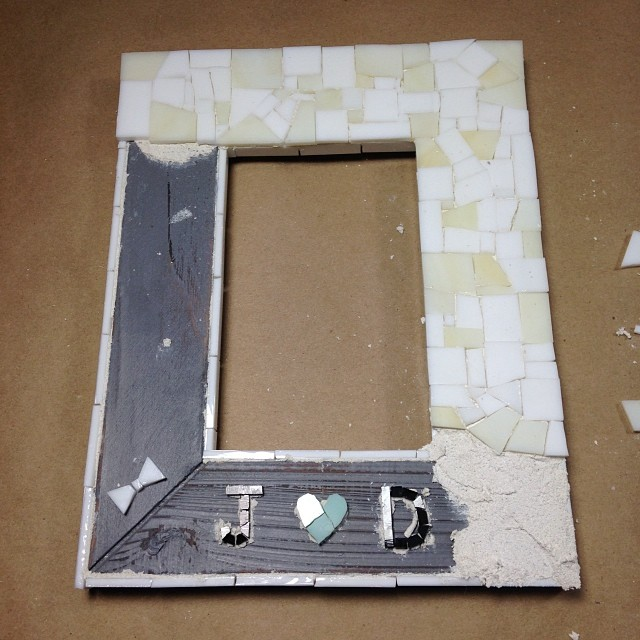 mosaic picture frame.jpg