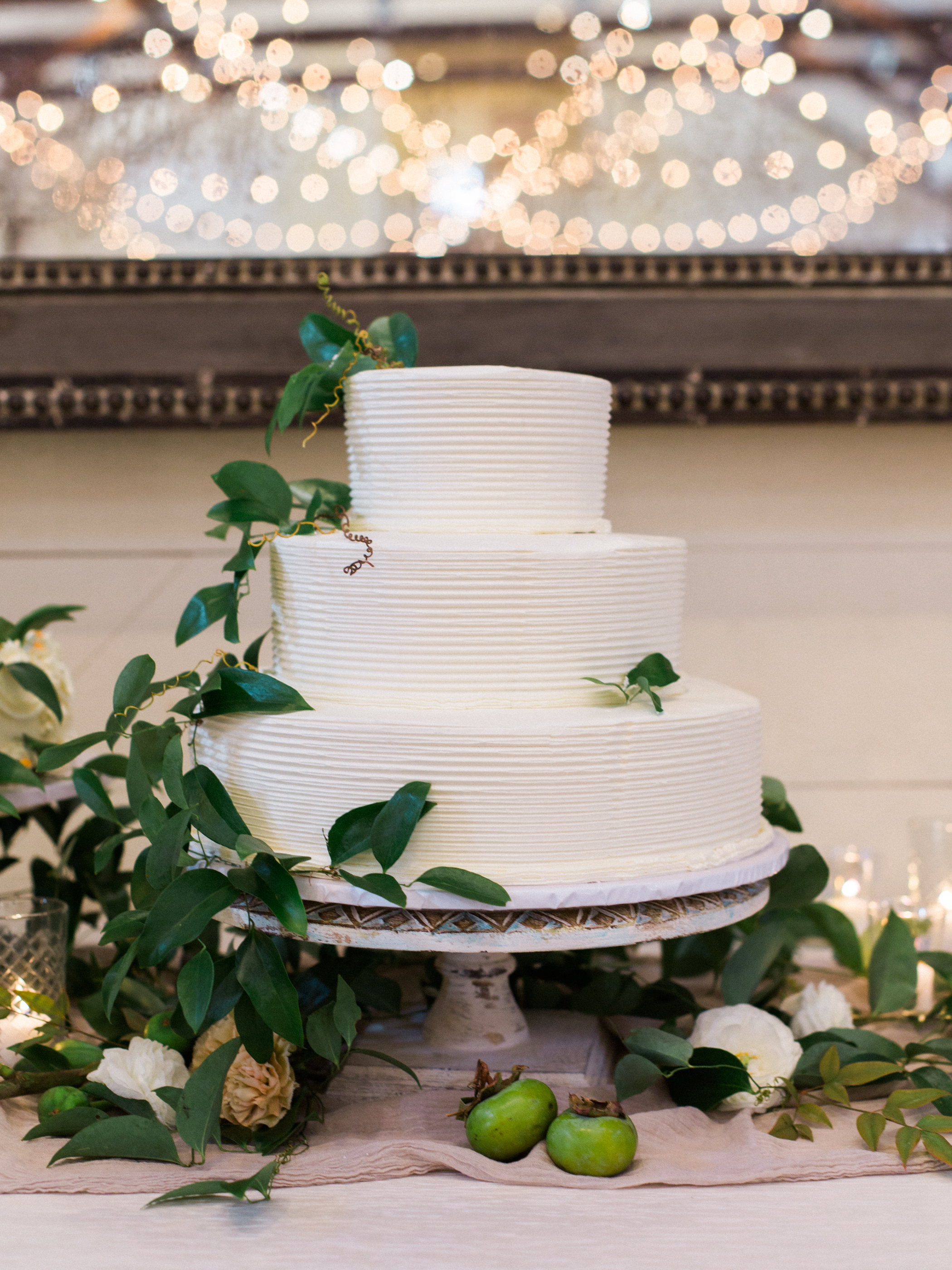 Natural wedding cake at Pippin Hill
