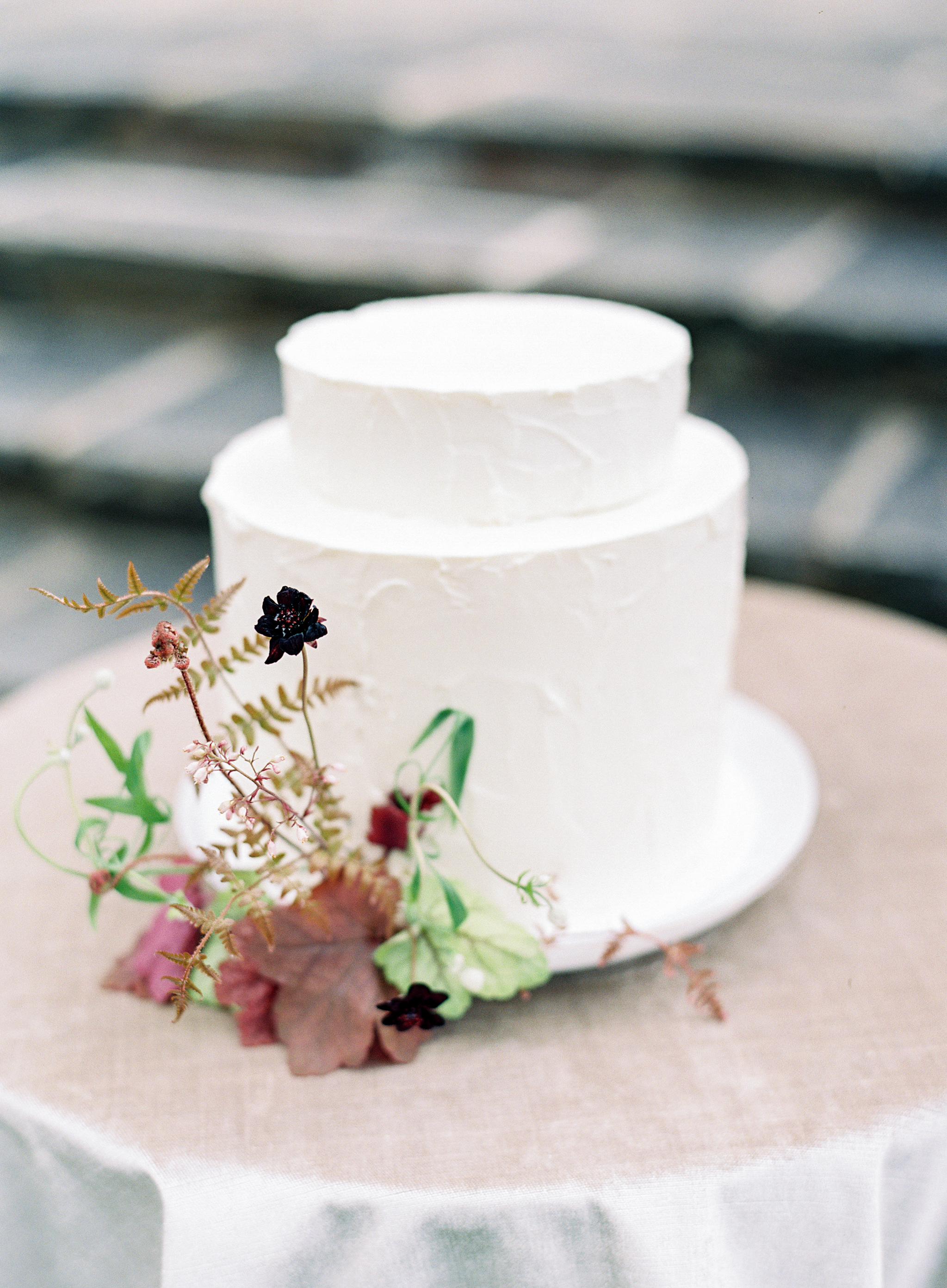 Leesburg VA Florist Wild Green Yonder - Rust Manor Wedding Cake Flowers