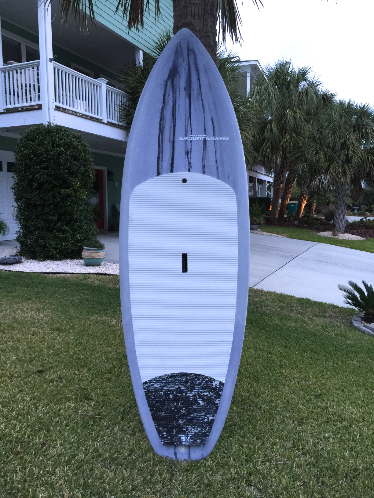 A new 8'6 X32 Inlet Runner for the 200 lb plus club. I took it for a quick surf today. Fast, Fun.