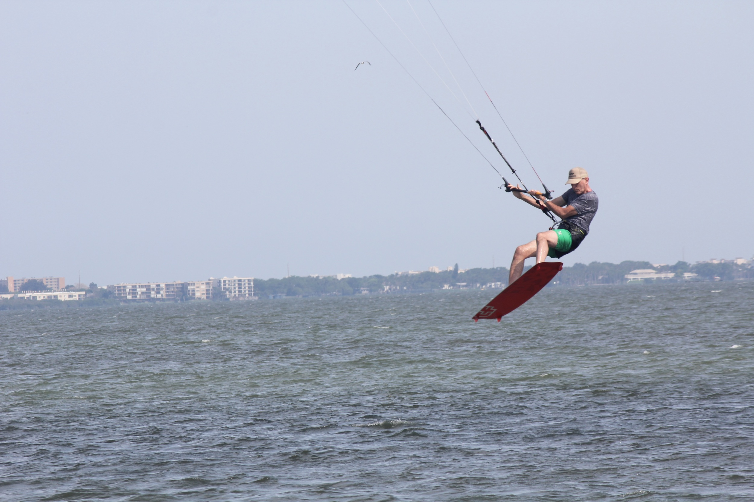 Dave let me take his 3 strut Cabrinha kite for a spin. Nice kite. Didn't even know it was 3 strut until afterwards.