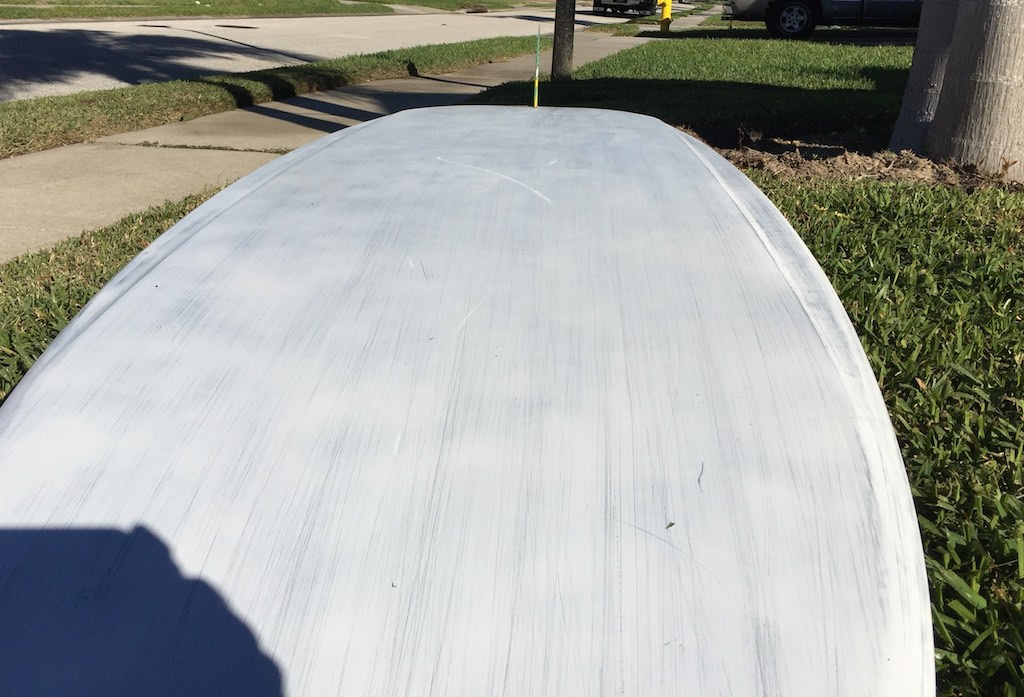The speed panel gives a planing surface width of only 58cm wide. This is a fast, narrow planing surface. It helps a board this long for windsurfing, get up and go!