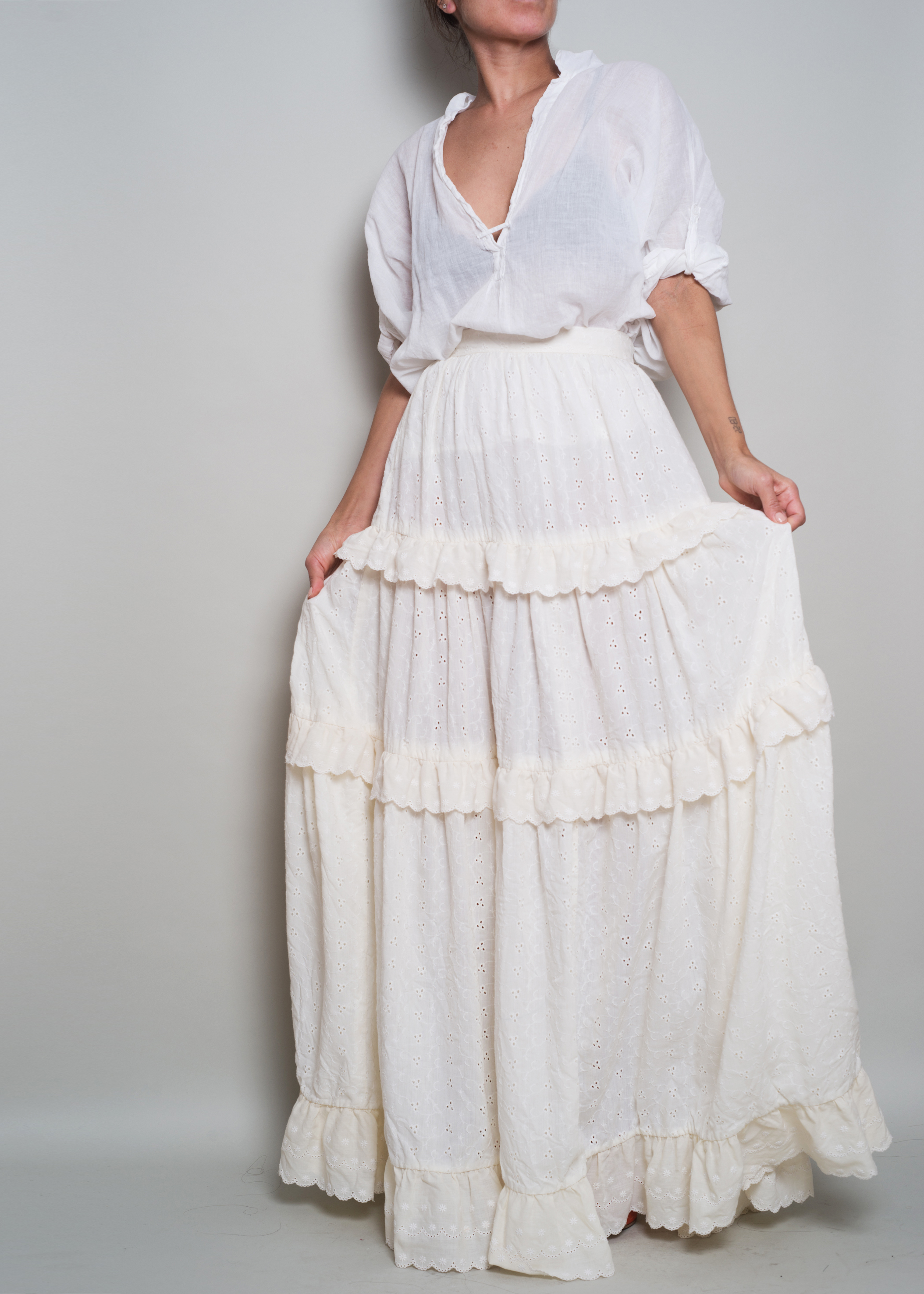 A_Part_of_the_Rest_Vintage_1970s_Embroidery_Eyelet_Tiered_Ivory_Prairie_Maxi_Skirt006.jpg