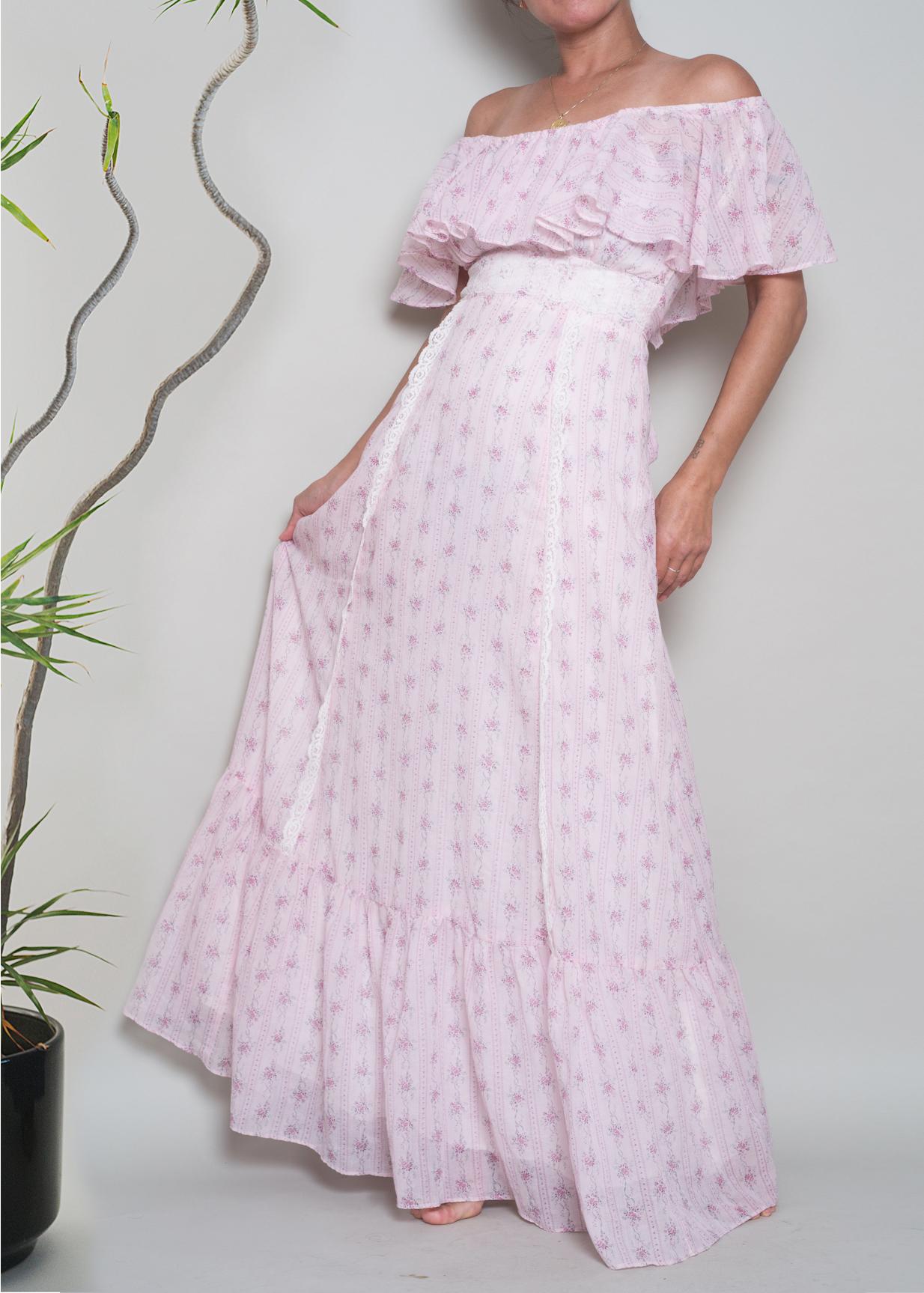 A_Part_of_the_Rest_Vintage_1970s_ditsy_cotton_floral_ruffle_neck_lace_trim_romantic_maxi_002.jpg