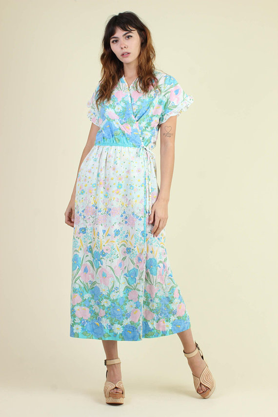 A Part of the Rest Recommends Luxie Vintage Floral Midi SATC Carrie Bradshaw Look.jpg