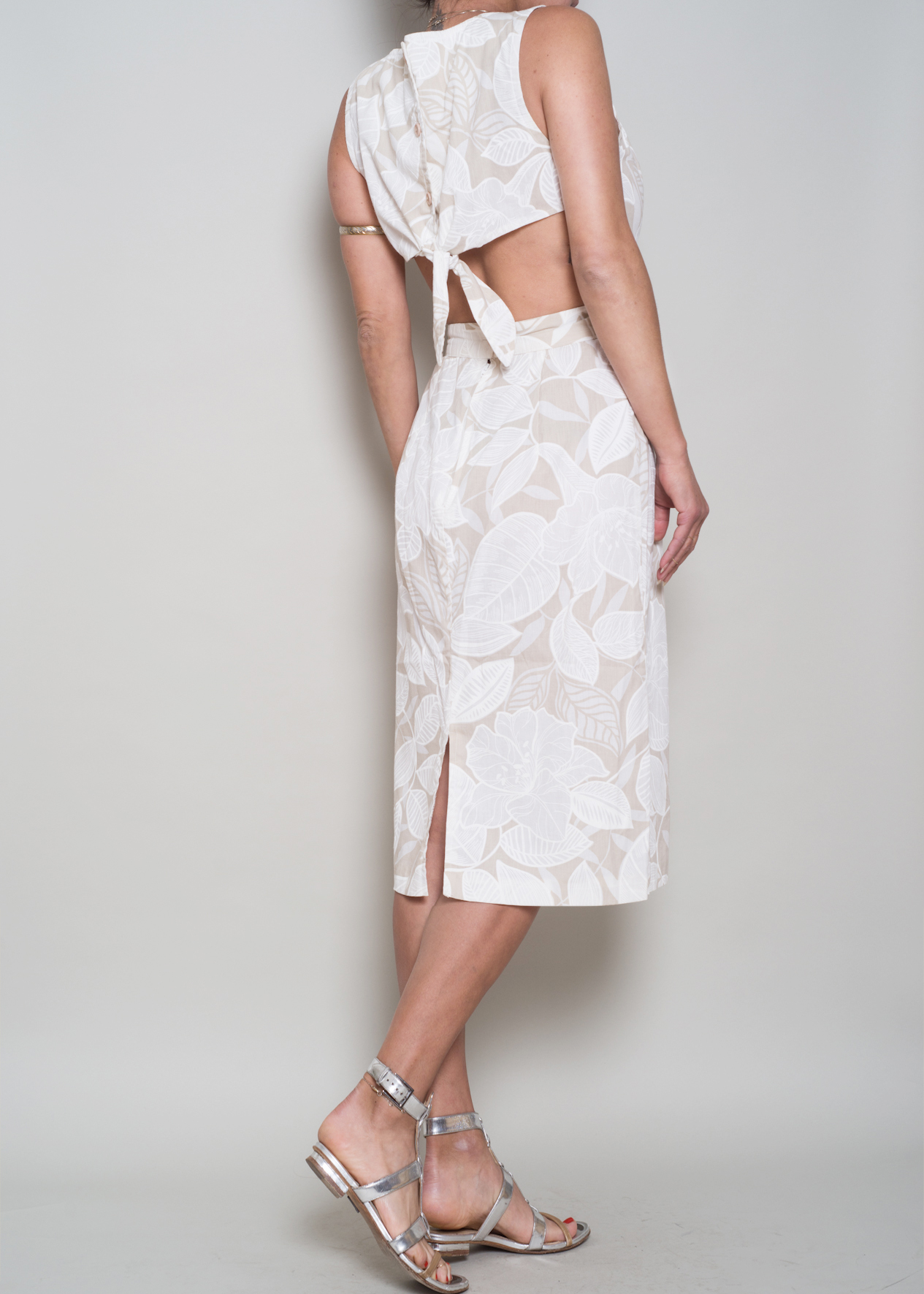 A_Part_of_the_Rest_Vintage_1990s_Neutral_Tropical_Backless_Dress_005.jpg