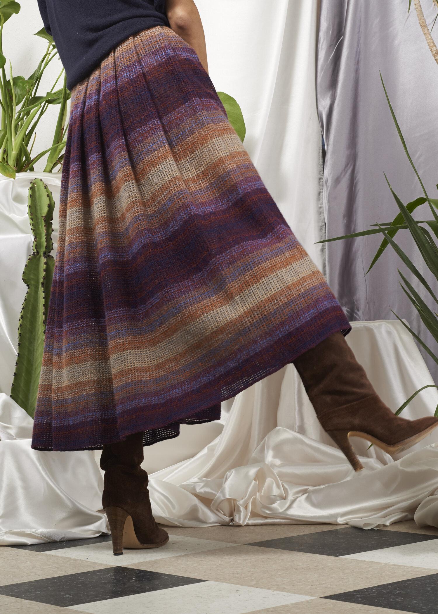 Vintage pink pleated midi skirt 810 Pure wool Striped Lined 1970s EWM