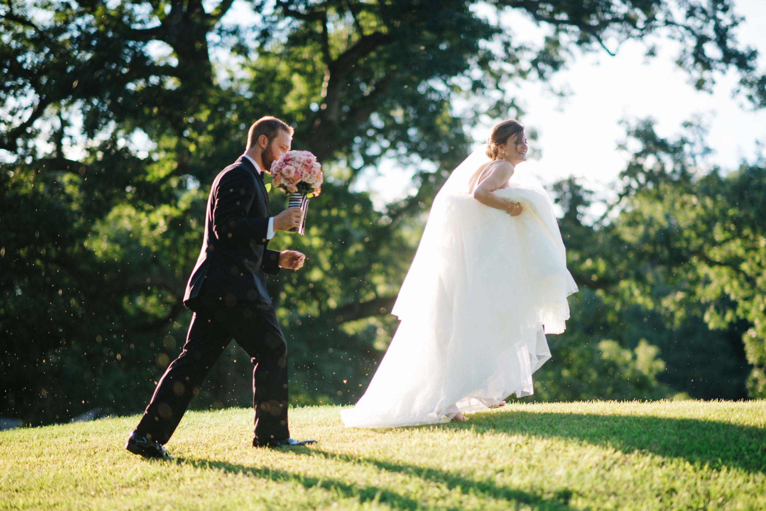 Summer Wedding Lafayette Country Club by Lafayette Indiana Wedding Photographer Erika Aileen