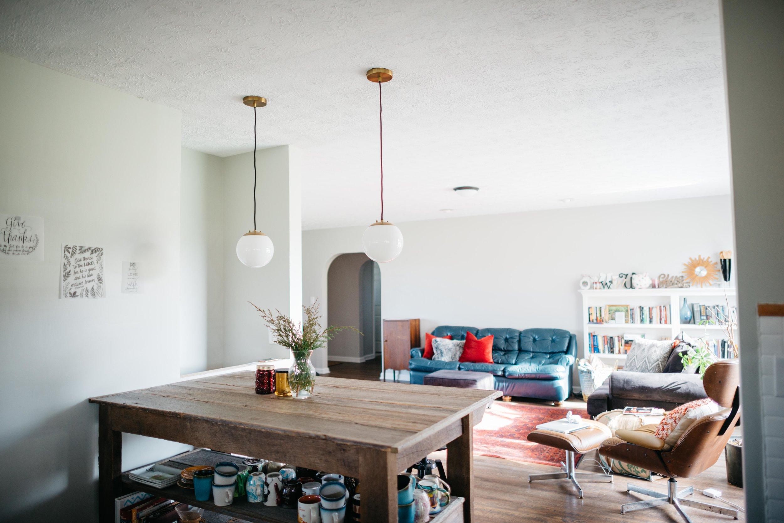 Blue and White Mid Century Modern Farmhouse Kitchen-13.jpg