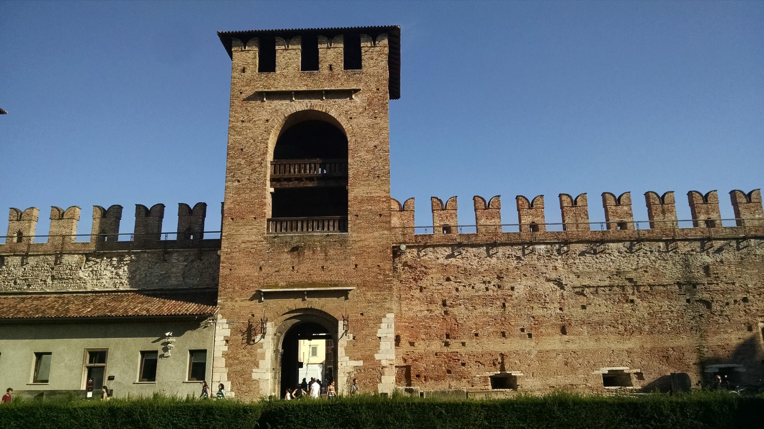 (imagem: Castelvecchio, Verona, Itália, 2014. Arquivo pessoal)