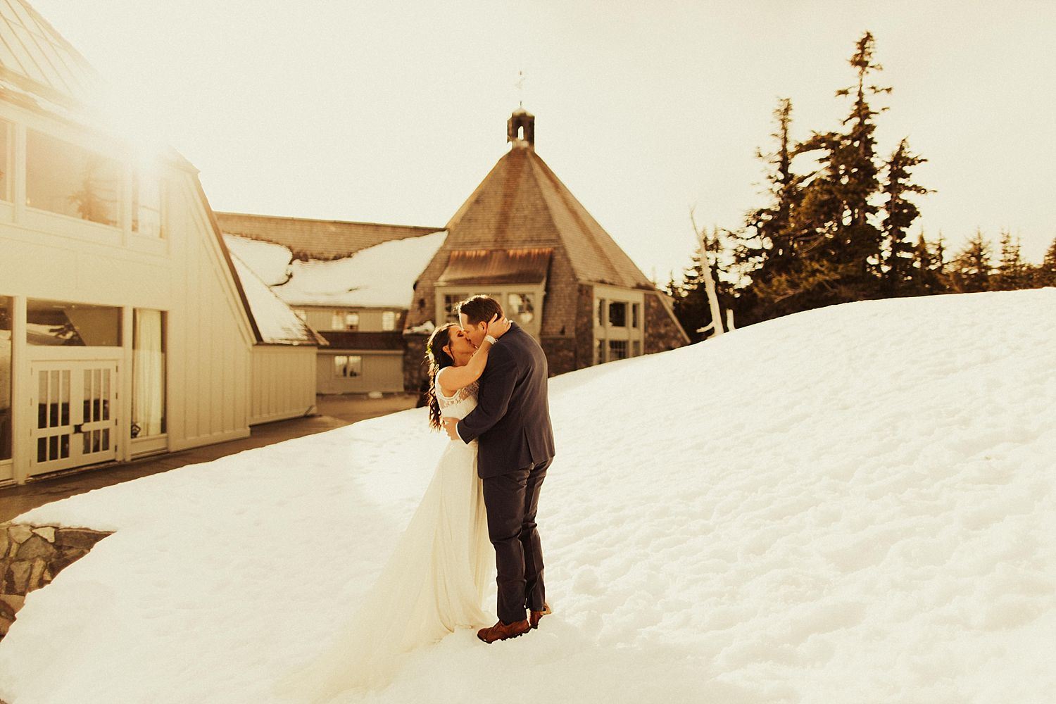 mt-hood-timberline-lodge-wedding_1240.jpg