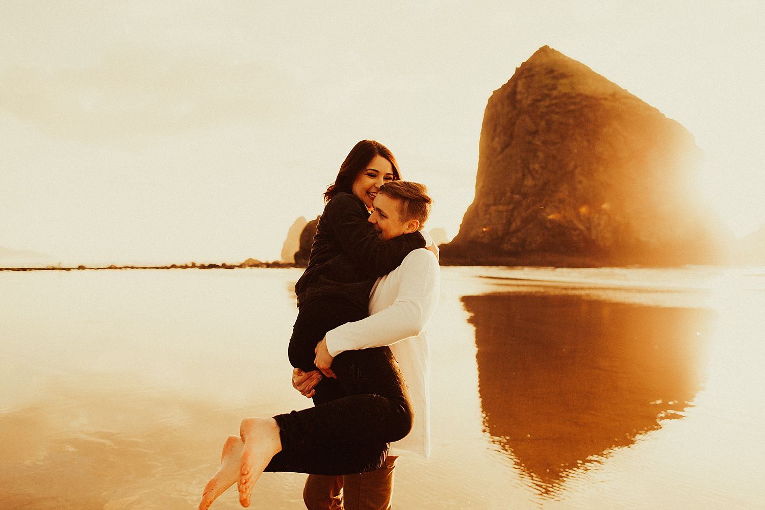 cannon-beach-engagement-session_1463.jpg