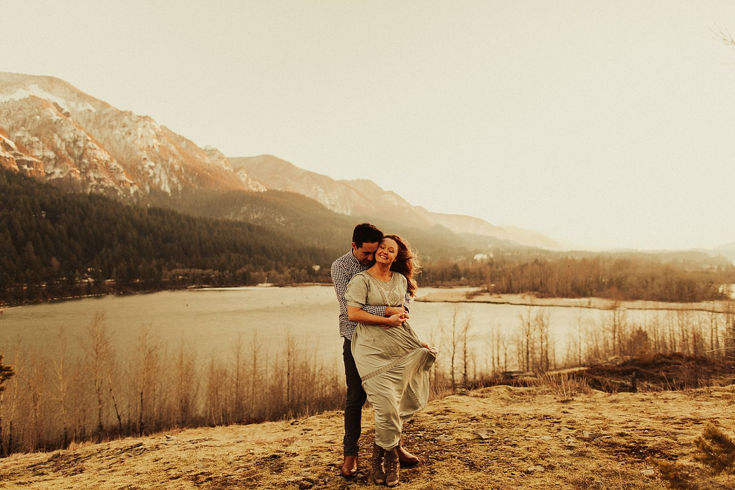 columbia-river-gorge-engagement-session_1643.jpg