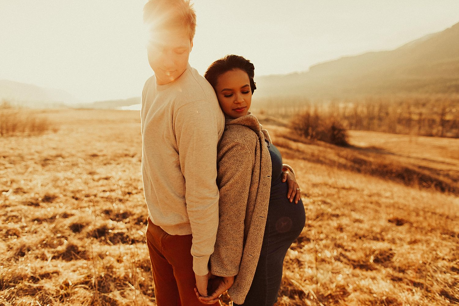 columbia-river-gorge-maternity-session_1679.jpg