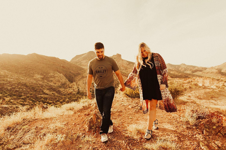 superstition-mountains-arizona-engagement-session_1844.jpg